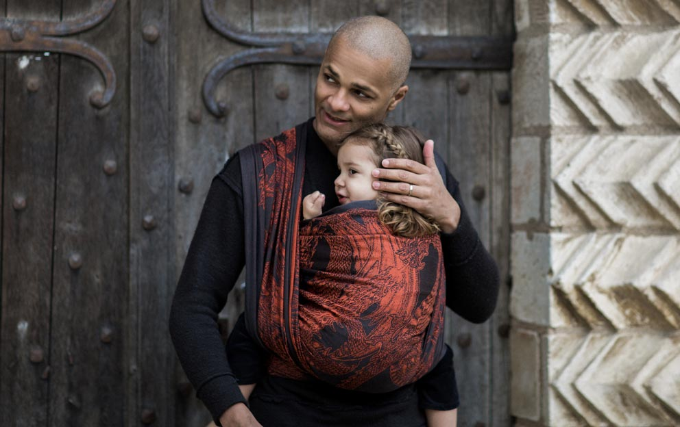 Babywearing benefits - a dad's point of view